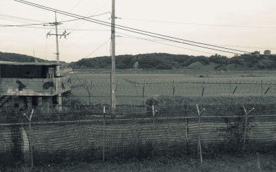 Unzählige Militärposten entlang der Autobahn